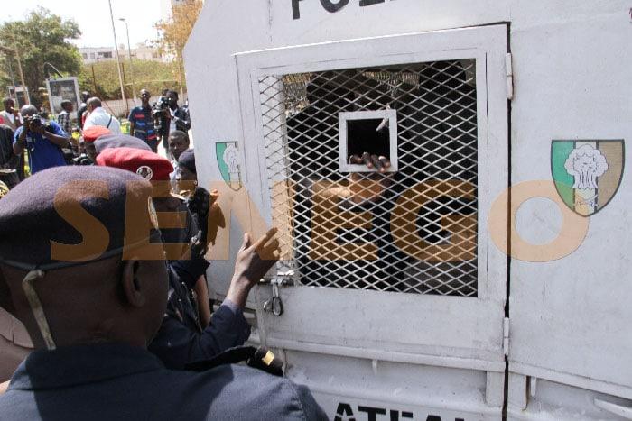Police-arrestation (5)