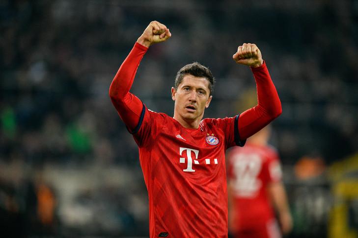 Robert-Lewandowski-celebre-marquele-Bayern-Munich-Bundesliga-contre-Borussia-Monchengladbach-2-2019_0_729_486