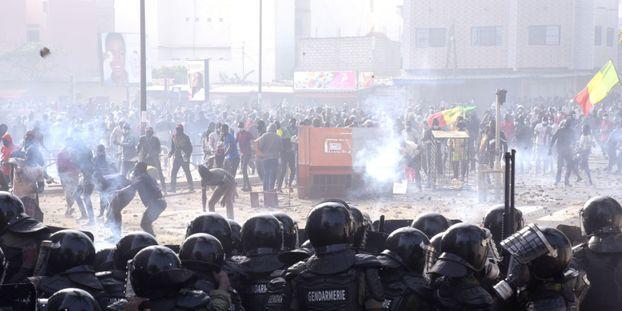 Apres-plusieurs-jours-de-troubles-au-Senegal-la-contestation-appelle-a-de-nouvelles-manifestations