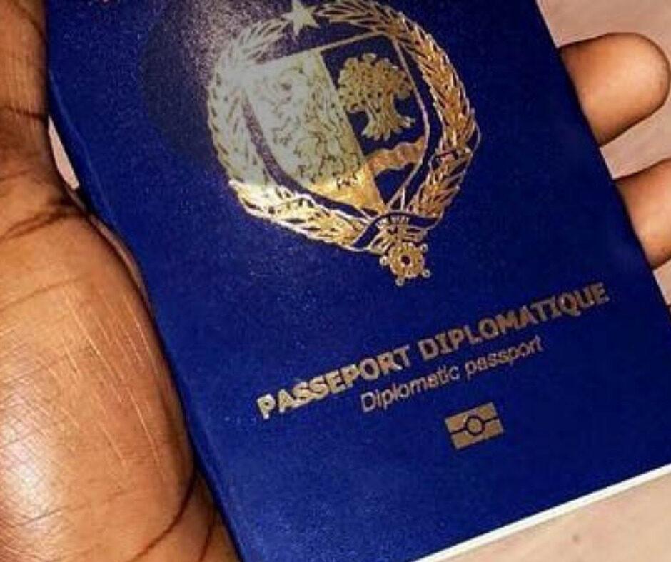 Passeport-diplomatique-du-Senegal-e1631621928363