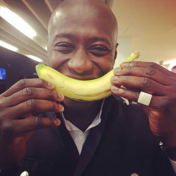 Soutien à Alves contre le racisme: Fadiga se met aussi en mode «banane»