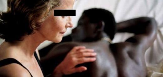 bamako, Jeune noir, Prestations sexuelles, Vieille blanche