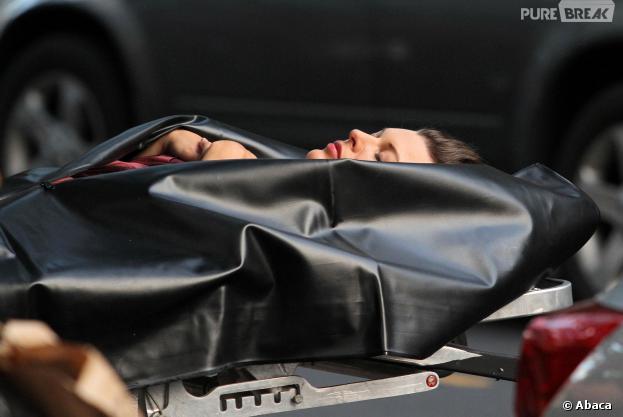 Elle se réveille dans son sac mortuaire mais meurt asphyxiée