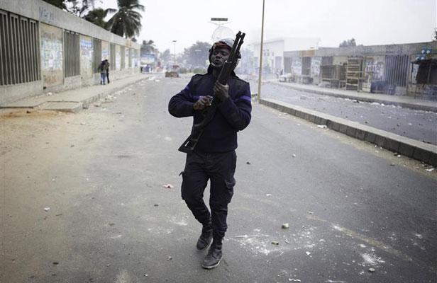 Banlieue, chauffent, Gakou, Militants