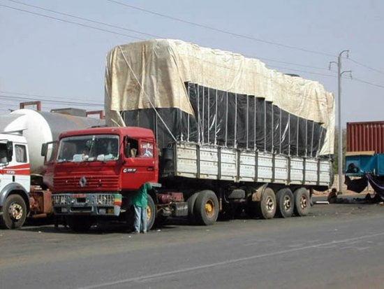 les camionneurs vont en gr ve illimit e le 17 novembre. Black Bedroom Furniture Sets. Home Design Ideas