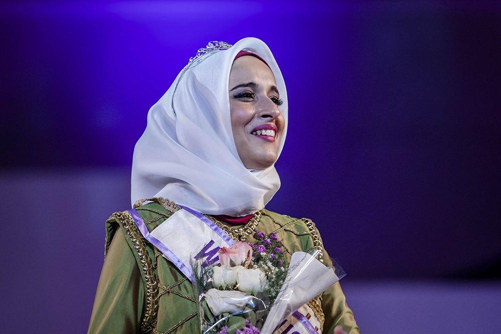 5 photos miss muslimah une tunisienne gagne le concours mondial de beaut sans bikini regardez. Black Bedroom Furniture Sets. Home Design Ideas