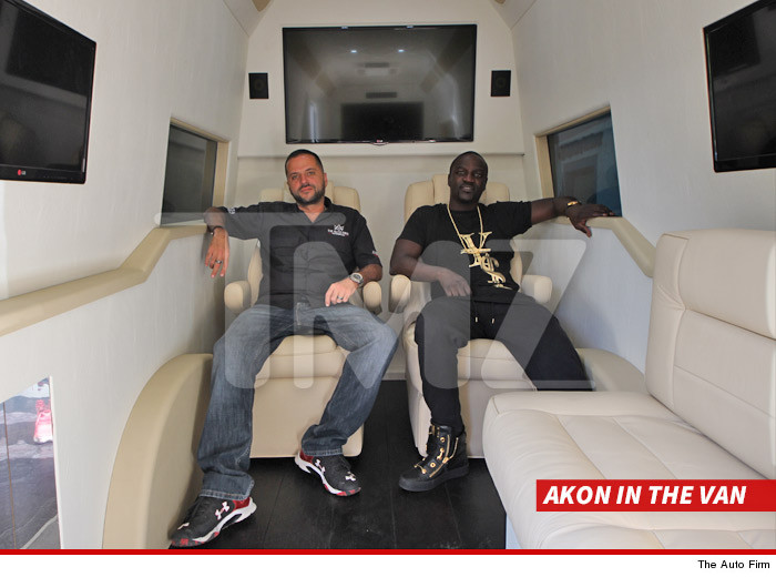 0408-akon-in-the-van-sub-the-auto-firm-4