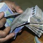 Ponction des salaires : SOS Consommateurs contre la restitution des sommes prélevées
