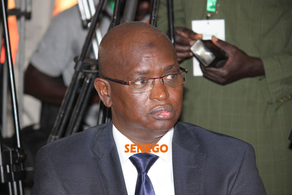 (22 photos) Siège Sonatel: Yousou Ndour casse la baraque ce jeudi matin.Regardez