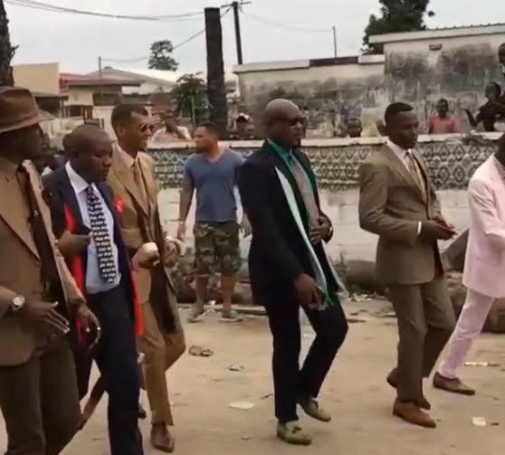 A Brazzaville, Stromae S'est Mis à La SAPE