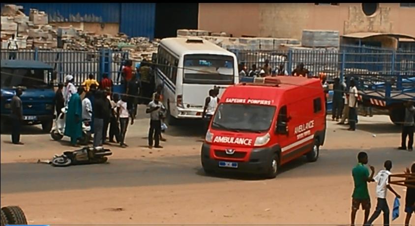 Conducteur, Dalifort, deux roues, mini bus, tué