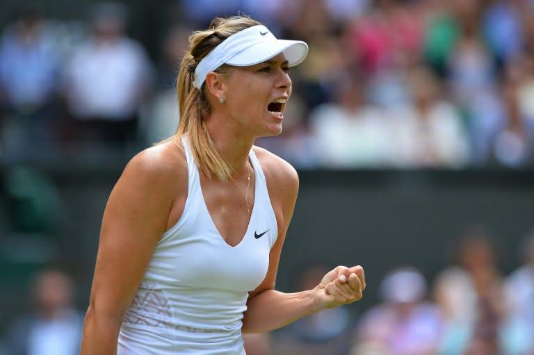 Wimbledon: Sharapova passe dans la douleur en demie