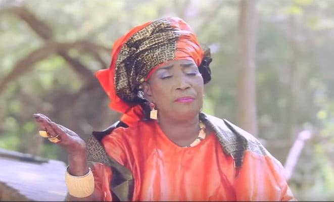 """Découvrez le nouveau clip de Kiné Lam """"Serigne Abdoulahat Ambassadeur"""""""