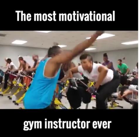 Vidéo: Une séance de gym pas comme les autres . Regardez