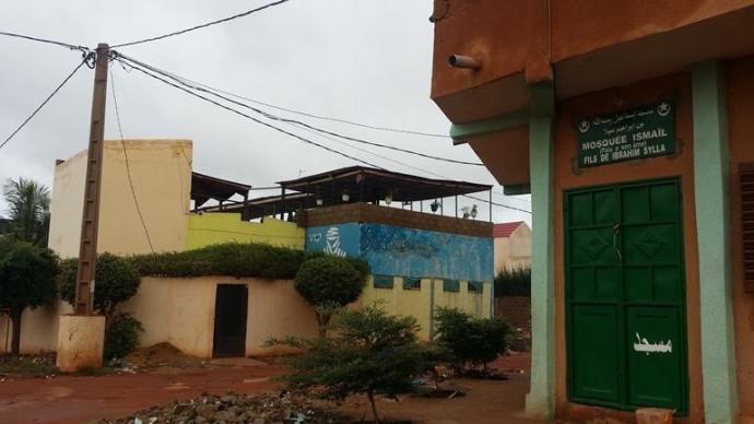 Insolite : A Baco Djikoroni Golfe un bar porte plainte contre une mosquée