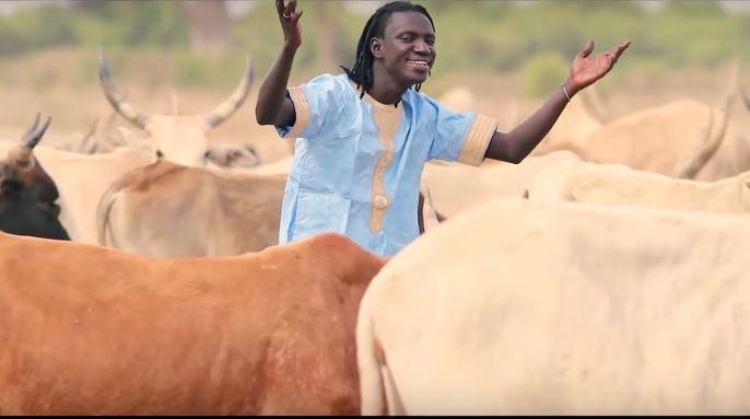 """Découvrez le nouveau clip de Djiby Diop """"Goudiry"""""""