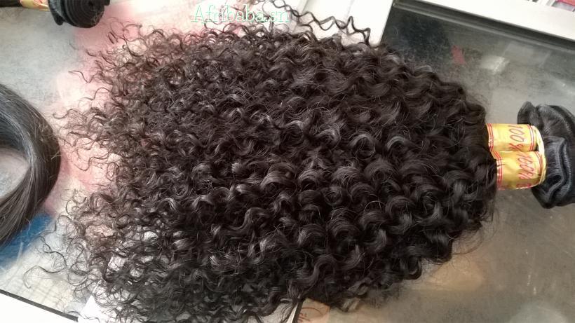 Korité: Des perruques cheveux naturels loué