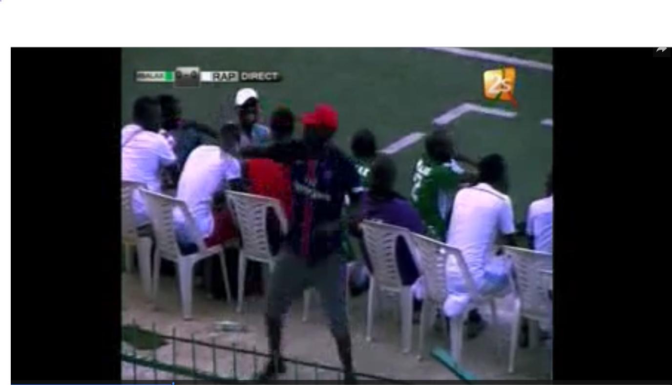 Vidéo: les mbalakhmen mènent le bal par Birane, fils de Youssou Ndour