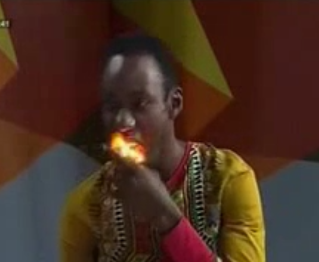 Vidéo: Incroyable ce qu'il fait sur le plateau de Tounkara. Regardez!