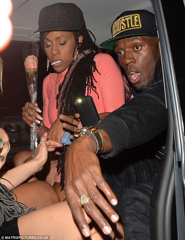 Après Rio, Usain Bolt s'éclate avec des nymphes
