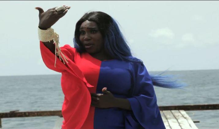 """Exclusif: Découvrez le nouveau clip de Ndiolé """"Coucou snap"""""""