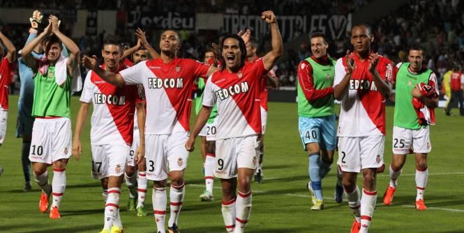 Ligue 1 3è journée: Monaco malmène Paris à la mi-temps