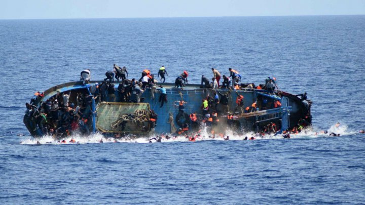 25 morts, large de la Libye, Migrants