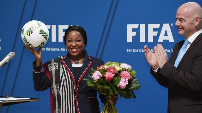 Fatma Samoura, Fatma Samoura sg fifa, Fatma Samourafifa, fifa, foot Fatma Samoura, Foot féminin, Football, parité à la fifa, sénégalaise à fifa
