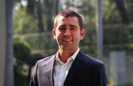 Réseaux sociaux: Chris Cox, directeur de produit de Facebook, en prospection à Dakar