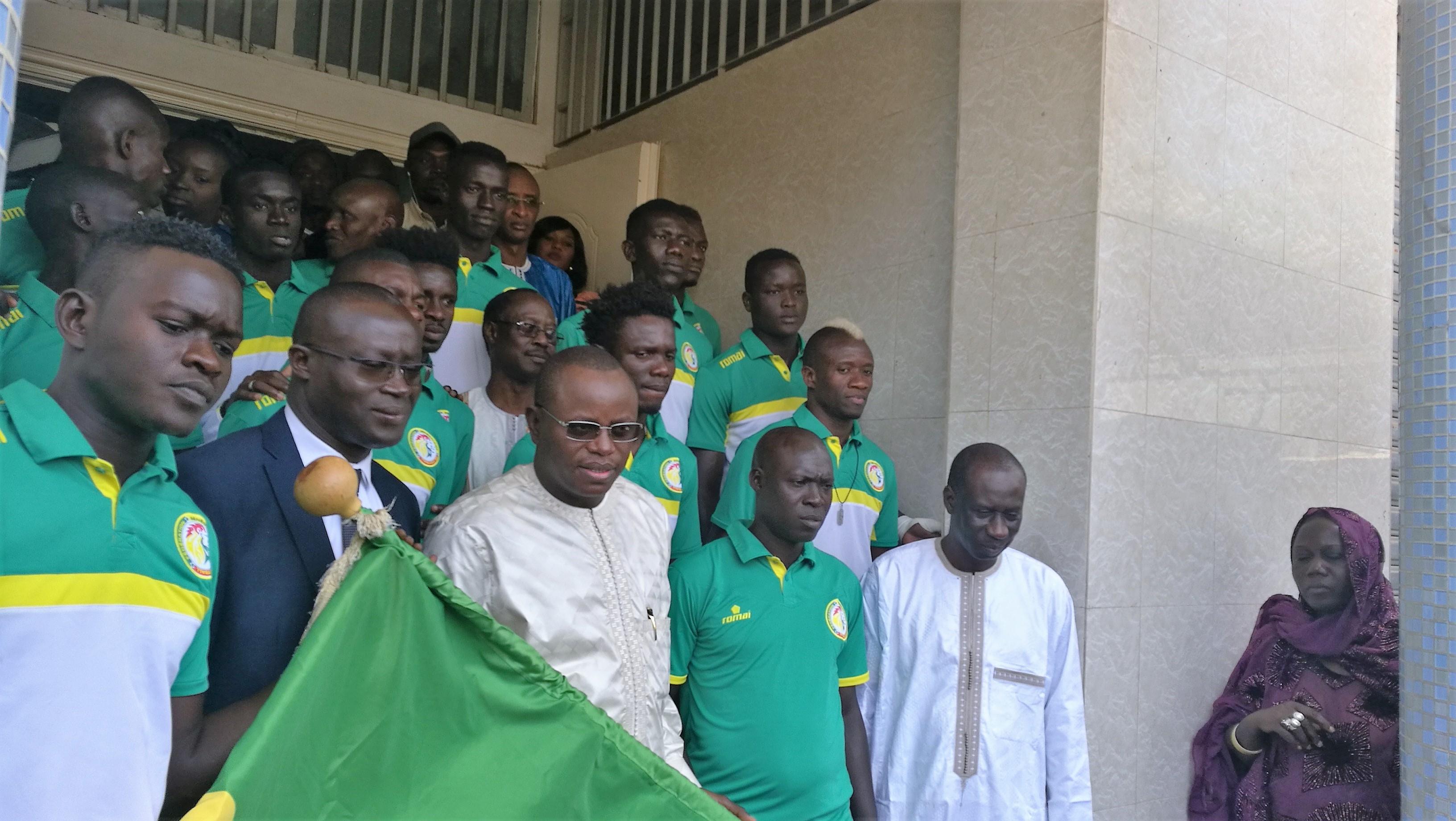 Beach Soccer: Le ministre invite les Lions à s'inspirer des valeurs traditionnelles du Sénégal