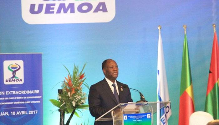 Alassane Ouattara dément l'information sur une dévaluation du CFA