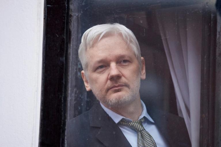 Julian Assange: la Suède abandonne les poursuites pour viol
