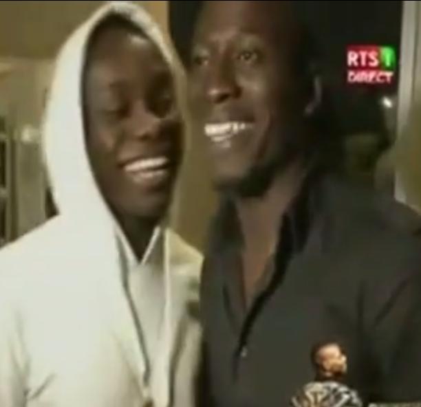 Vidéo – Les belles retrouvailles entre les cousins Sidiki Diabaté et Soriba Kouyaté -Regardez !