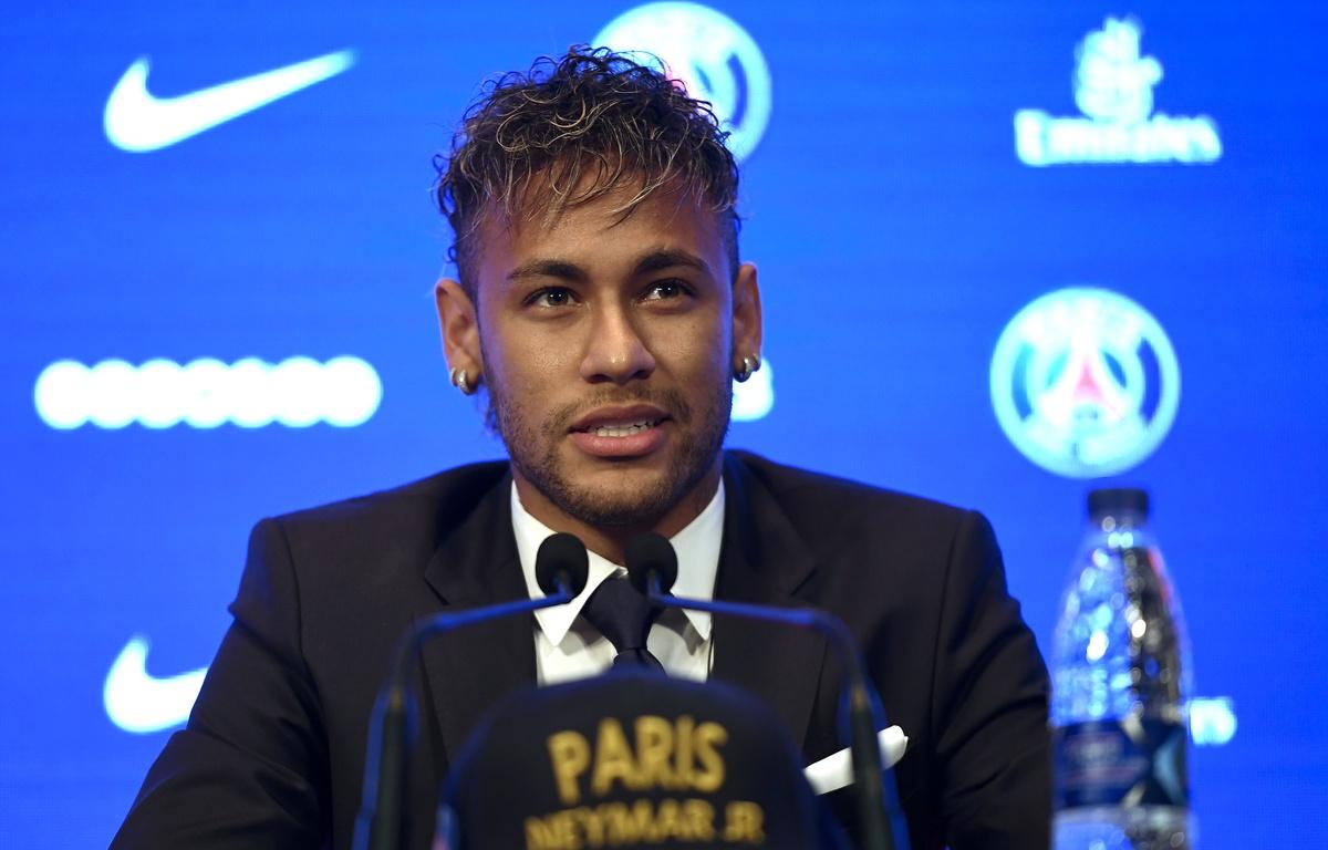 Neymar sur le point d'arriver au PSG, une star devra être sacrifiée