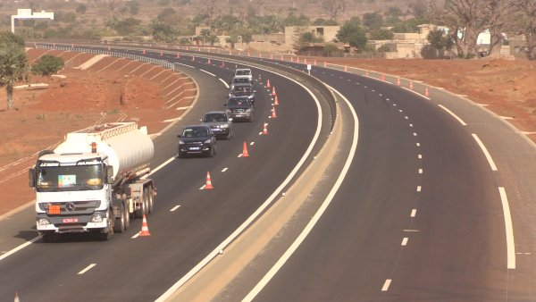 fonctionnel, L'autoroute Ila Touba, Magal