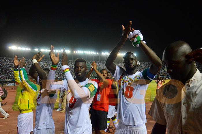 Football, Lions du Sénégal, Passeports diplomatiques, terrains