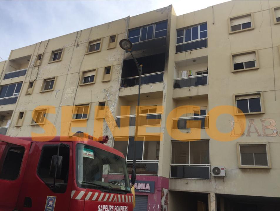 13 Photos, à Fass, en cendre, Incendié, réduit, Regardez, un immeuble