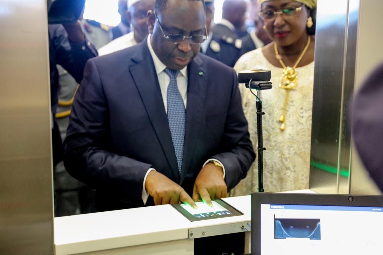 Abdoulaye Wade, Aéroport international Blaise Diagne, Leopold sedar senghor, Macky Sall