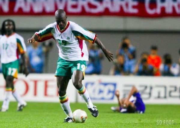 Histoire de la Coupe du monde - Les 100 joueurs, Pape Bouba Diop 93ème -  Senego.com