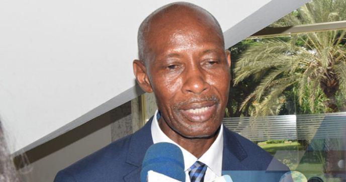 Le ministre du travail, réformes budgétaires, souligne