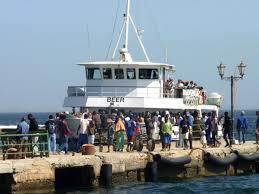 Bateau, chaloupe beer, Dakar - Gorée, Liaison maritime Dakar Gorée, panne de chaloupe