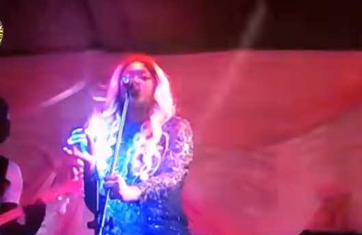 Vidéo Emouvant Titi Chantée Par Sa Fille Sokhna Le