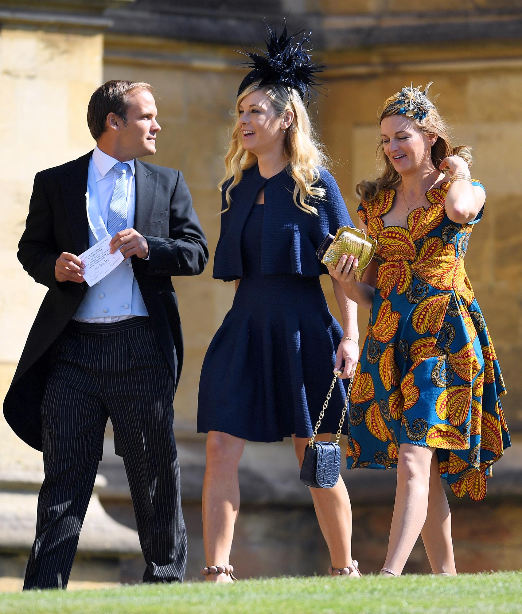Arrêt sur image \u2013 Mariage Prince Harry et Meghan Markle  Cette femme en  wax attire les regards