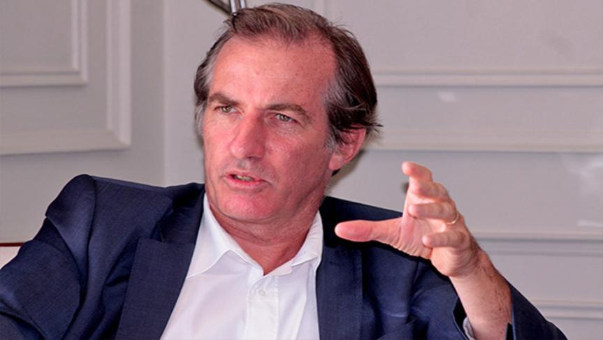 """""""échappe"""" de justesse à la mort, il perd son pilote, L'ambassadeur de la France au Sénégal"""