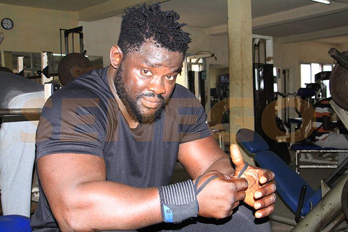 adversaire de eumeu sène, Combat de lutte, Eumeu Sène, lutte senegalaise, Modou Lo