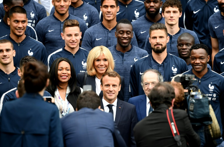 Macron fou de joie après le premier but français