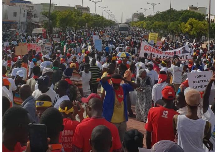 04 Photos, ébranler Benno Book Yaakaar, marche de l'opposition