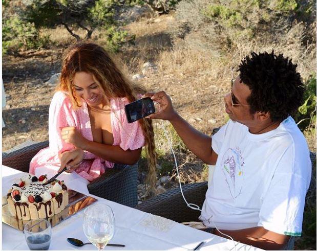 Beyoncé, Célèbre, Riche