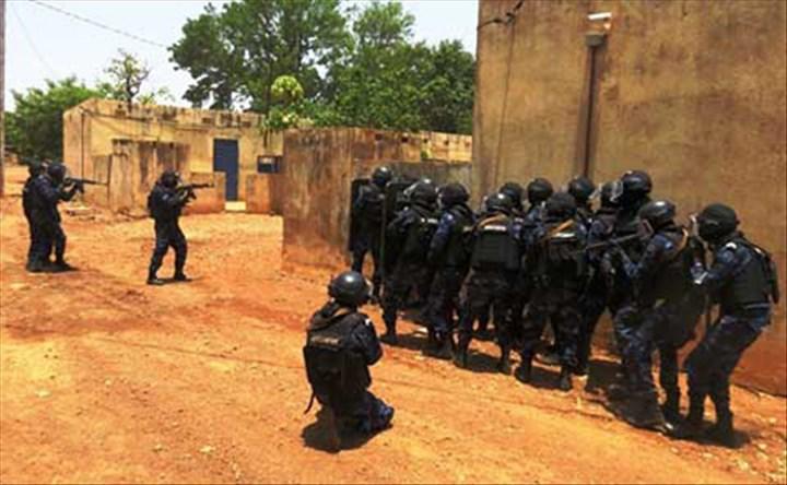 8 personnes, Burkina Faso
