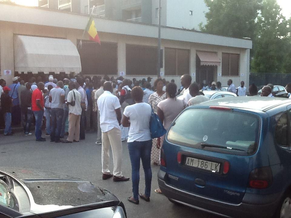 Bloque, Consulat, Italie, Sénégal